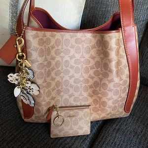 😱😍gorgeous coach bag with wallet